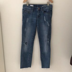 Gap distressed cropped ankle jeans